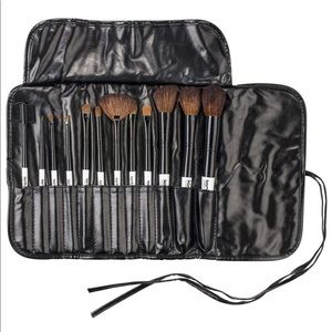 Other - 🆕12 Piece Makeup Brushes Set with Holder Roll